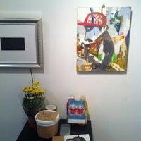 Photo taken at 라메르 / La Mer Gallery by Nury D. on 7/7/2012