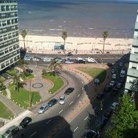 Foto tomada en Playa Pocitos por Nacho S. el 10/21/2011