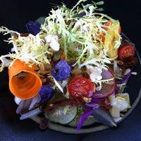 Foto tomada en Baboo Lounge & Restaurant por Aneyki C. el 10/7/2011