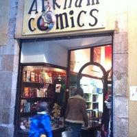 Photo prise au Arkham Comics par Aina V. le12/27/2011