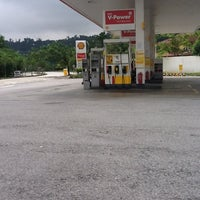 Photo taken at Shell Bandar Kinrara 5B by DinoBamBino™ on 3/27/2012