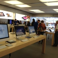 Photo taken at Apple The Promenade Shops at Briargate by Denny B. on 5/2/2012