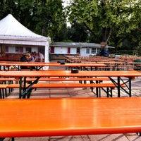 Das Foto wurde bei Schumachers Biergarten von Arne am 8/22/2012 aufgenommen