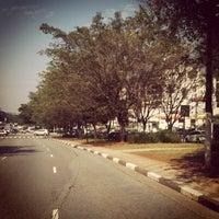 Photo taken at Rua Henrique Schaumann by Nelson S. on 5/5/2012