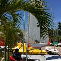 Das Foto wurde bei National Sailing Centre von ,7TOMA™®🇸🇬 S. am 4/28/2012 aufgenommen