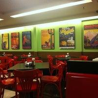 Photo taken at Eddie Fine Burgers by Marcio S. on 6/23/2012