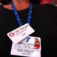 Photo taken at Red Mango by ☀️ J O D E ☀️ on 6/1/2012