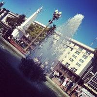 Foto tirada no(a) Plaza de Mayo por Luciano B. em 4/9/2012