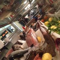 Foto scattata a Fish Market da Farb N. il 7/4/2012