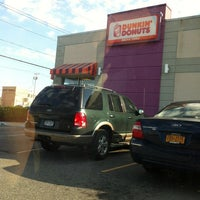 Photo taken at Dunkin Donuts by Nikki P. on 5/31/2012