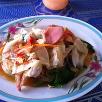 Photo taken at ร้านเจ๊ฮง by Chong R. on 8/24/2012