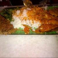 Photo taken at Restoran Nasi Kandar Subaidah by Syed I. on 7/7/2012
