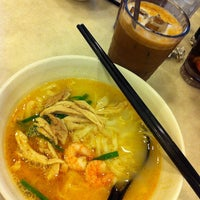Photo taken at OldTown White Coffee by Nicole Y. on 8/6/2012