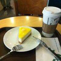 3/10/2012 tarihinde Orhan Meriç A.ziyaretçi tarafından Starbucks'de çekilen fotoğraf