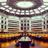 Photo taken at State Library of Victoria by Rizky Prambudi Tanrian on 5/3/2012