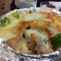 Photo taken at Hong Kong Kim Gary Restaurant (香港金加利茶餐厅) by MAy B. on 6/17/2012
