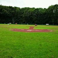 Das Foto wurde bei Baseballstadion Köln von Urs A. am 6/16/2012 aufgenommen
