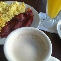 Foto tomada en Alexander Coffee por Freddy C. el 6/16/2012