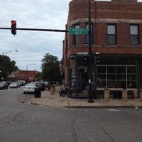 Foto tirada no(a) Bridgeport Coffee Company por Louis P. em 8/12/2012