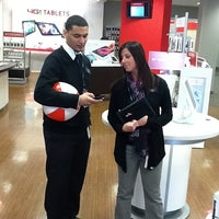 Photo taken at Verizon by Sonney P. on 3/31/2012