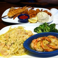 Photo taken at Red Lobster by Yuliana on 8/20/2012