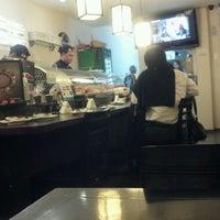 Foto tirada no(a) Kanzen Sushi e Temakeria por Anderson R. em 8/12/2012