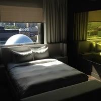 hotel zero 1 ville marie montr al qc. Black Bedroom Furniture Sets. Home Design Ideas