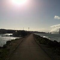 Foto tirada no(a) Golden Gate Yacht Club por Jet (Jamie) T. em 3/30/2012