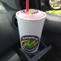Photo taken at Tropical Smoothie Cafe by Bernice Y. on 4/15/2012