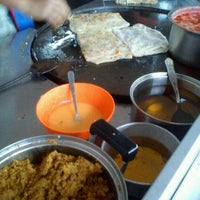 Photo taken at Restoran Noor by Mantoi M. on 4/22/2012