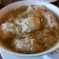 Photo taken at Congee Noodle House 粥麵館 by Dennis P. on 6/23/2012