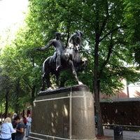 Foto tirada no(a) Paul Revere Statue por Laughton N. em 5/18/2012