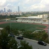 รูปภาพถ่ายที่ İTÜ Stadyumu โดย Ahmetcan C. เมื่อ 7/23/2012