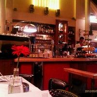 Снимок сделан в Café Daniel Moser пользователем Mariya 5/4/2012