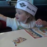Photo taken at Steak 'n Shake by Susan L. on 8/4/2012