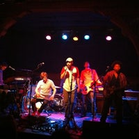 Photo taken at Schubas Tavern by Jose Carlos R. on 8/27/2012