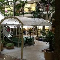 Foto tirada no(a) Águas Claras Shopping por Rafael C. em 5/16/2012
