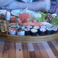 Foto tirada no(a) Cheri Sushi por Renata F. em 7/23/2012