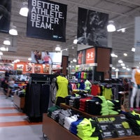 Photo taken at DICK'S Sporting Goods by Harjit on 9/6/2012