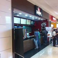 Foto tirada no(a) Praça de Alimentação por Thiago B. em 7/25/2012