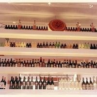 Photo taken at Blanc Burgers + Bottles by Michael C. on 3/13/2012