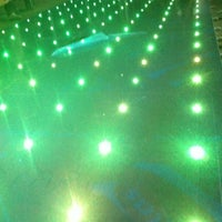 Foto tomada en Musique Xpress Lights por Gabriel R. el 8/31/2012