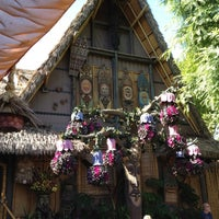 Photo taken at Enchanted Tiki Room by Mr. E. on 8/9/2012