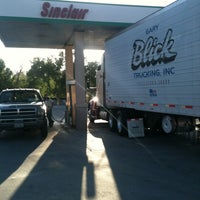 Photo taken at Sinclair Gas & Grocery by Michael R. on 4/27/2013