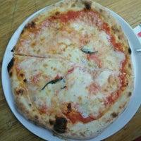 Photo prise au La Bottega della Pizza par Emilie F. le6/17/2015