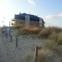 Photo taken at Strandhotel en Restaurant Noordzee by Jose H. on 3/31/2013