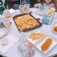 Photo taken at McDonald's & McCafe by LW on 10/30/2017