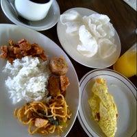 Photo taken at Restaurant Ketapang Indah by Nery O. on 3/7/2014