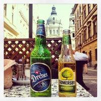 4/29/2013 tarihinde Helen C.ziyaretçi tarafından Nonloso Caffé & Bar'de çekilen fotoğraf