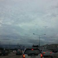 Photo taken at แยกหนองตาโผ่น by ตายไปแล้ว ส. on 8/29/2014